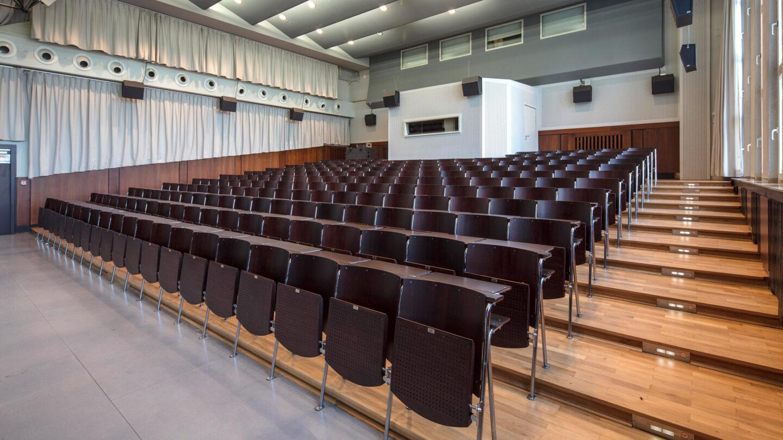 Restaurierung einer Hörsaalbestuhlung